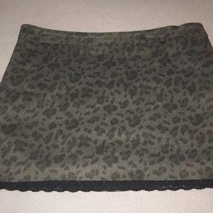 Jessica Simpson Leopard skirt